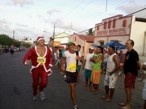 "Disputa entre ""Papai Noel"" e Jadinho."